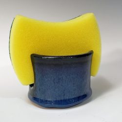 Sponge holder in dark blue