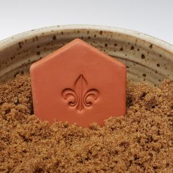 Fleur-de-lis brown sugar keeper